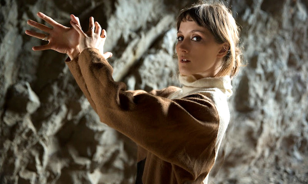 Cate Le Bon Announces Early 2014 Us Tour Dates With  Warpaint