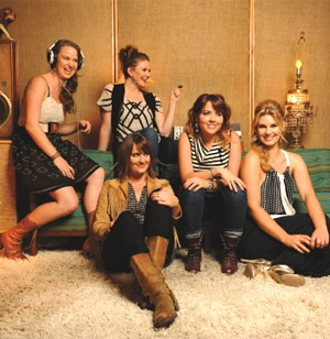 Della Mae Release Their Debut For 'This World Oft Can Be' Is Out Now