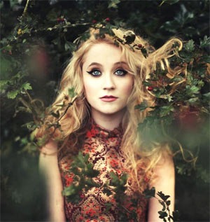 Former X Factor Star Janet Devlin Launches Debut Album Campaign With Pledgemusic