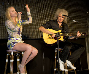 Kerry Ellis And Brian May Performing The Candlelight Concerts In February 2014
