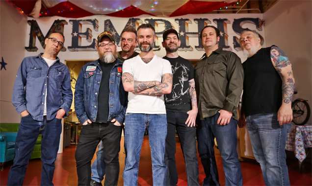 Lucero Unleash Their First-ever Live Album 'Live From Atlanta'  Out August 12th In The Us  2014 Plus Stream 'Texas & Tennessee' [Listen]