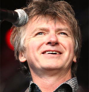Neil Finn Announces UK Tour For April May 2014