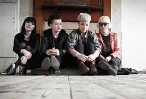 Pins Share Christmas Song 'Kiss Me Quick (It's Christmas)' Plus Announce New  December 2013 Tour Dates [Listen]