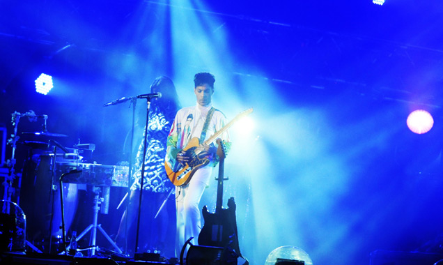 Prince Teams Up With L.a. Reid For His Lateset Single 'Fallinlove2nite' Featuring Zooey Deschanel