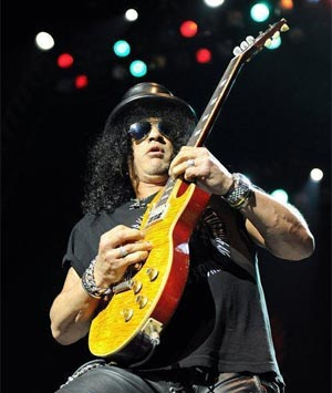 Slash Announces UK Tour Dates For October 2012