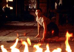 The Devil's Backbone Movie Review