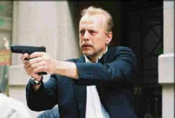 16 Blocks Movie Review