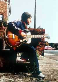 Badly Drawn Boy - 'Come On Eileen' Taken from the 'One Love - War child' album @ www.contactmusic.com