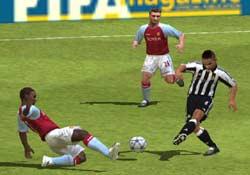 FIFA FOOTBALL 2005 - PS2 Screenshots