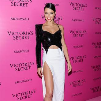 Adriana Lima splits from boyfriend