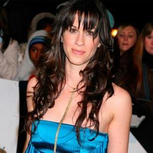 Alanis Morissette Embarrassed By Hometown Tribute