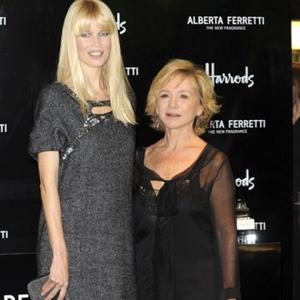 Alberta Ferretti To Use Real Women In Shows