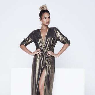 Alesha Dixon 'loves' to wear gold
