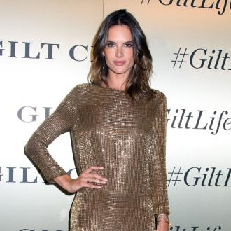 Alessandra Ambrosio tries to avoid foundation