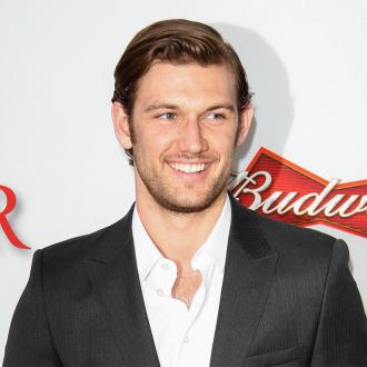 Alex Pettyfer A 'Hopeless Romantic'