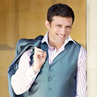 Alex Reid launches fitness retreat