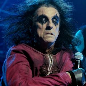 Alice Cooper Shy Off Stage