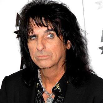 Alice Cooper: Modern rock is 'limp'