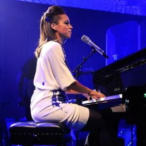 Alicia Keys And Lady Gaga Quit Twitter For Charity