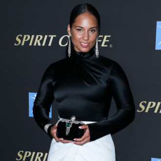 Alicia Keys: My skin is affected by good energy