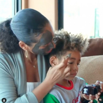 Alicia Keys loves to do a face mask with her son on Sundays