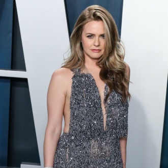 Alicia Silverstone, Drew Van Acker and Stephen Moyer to star in SHTF