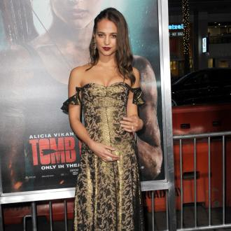 Alicia Vikander forgets fame