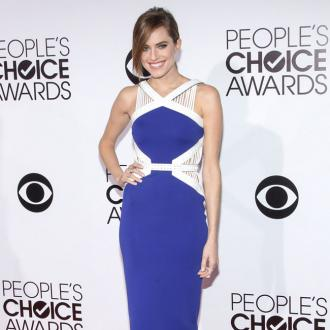 Allison Williams corners other actresses for advice