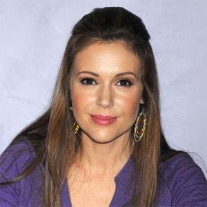 Alyssa Milano Buys Art For Son