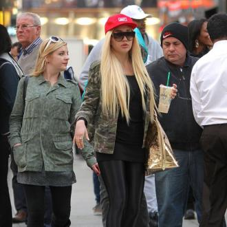 Amanda Bynes Signs Up For Fashion College