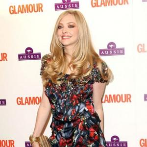 Amanda Seyfried Always Flashes Legs On Red Carpet