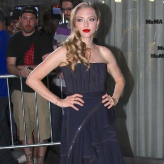 Amanda Seyfried Flirts With Justin Long At Premiere Party