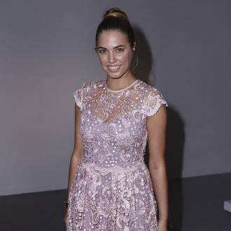 Amber Le Bon donates hair to charity
