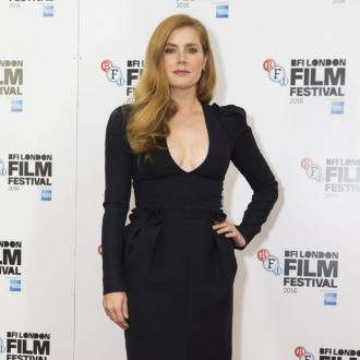 Amy Adams doesn't find sex scenes 'easy'