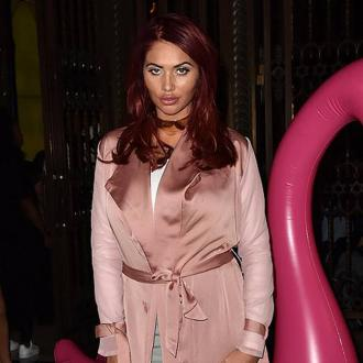 Amy Childs 'loves' Instant Whites