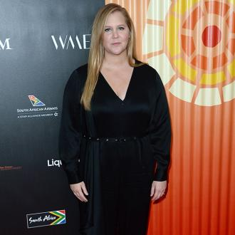 Amy Schumer has 'no excuse' not to help in the kitchen