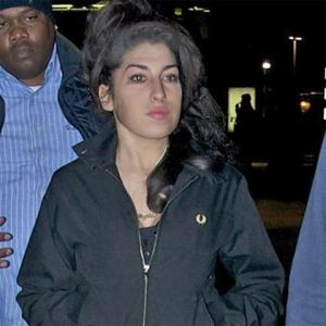 Amy Winehouse Checks Into Rehab