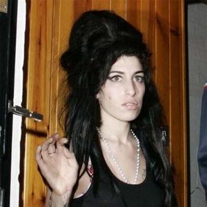 Amy Winehouse Foundation Delayed Due To Naming Problem