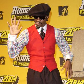 Andre 3000 is suffering from severe stage fright