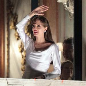 Angelina Jolie No Cinderella