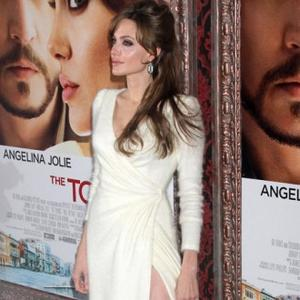 Angelina Jolie Keeps Kids Off Set