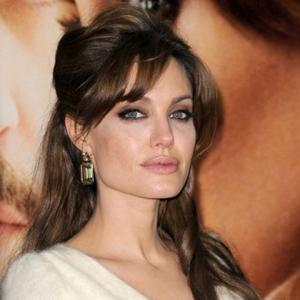 Angelina Jolie Wins Hair Praise
