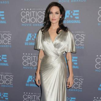 Angelina Jolie Acted For Mother