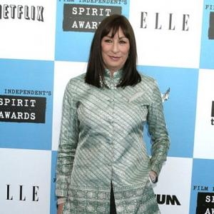 Anjelica Huston Loves Working With Kids