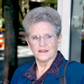 Ann B Davis Dies