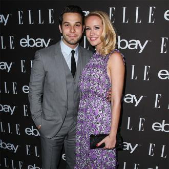 Anna Camp gushes over Skylar Astin