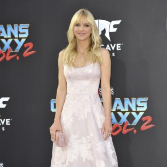 Anna Faris' friends love new man