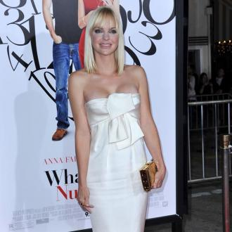 Anna Faris' husband loves her curves