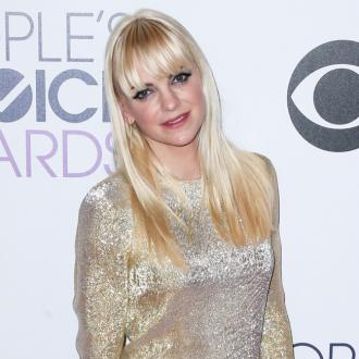 Anna Faris' Baby Shushed By Mickey Rourke
