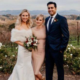 Anna Faris officiates friends' wedding